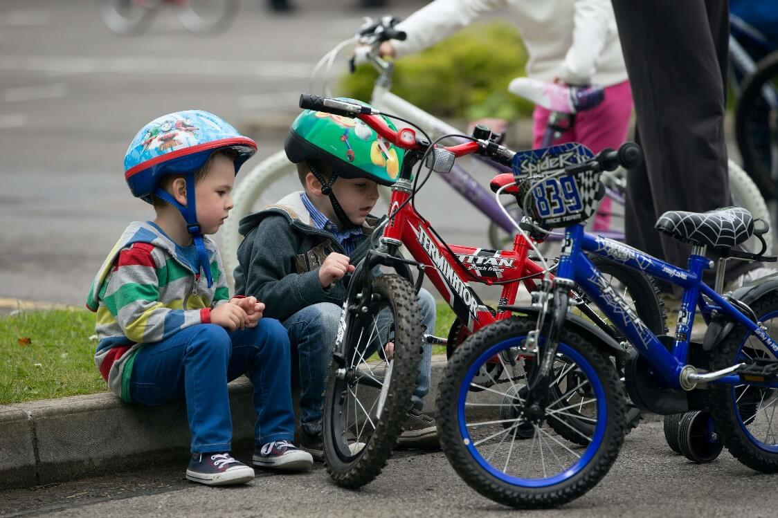 cycle with kids